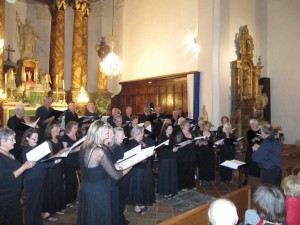 Chiltern chamber Choir performing in Ceret